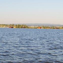 Blick vom Neusiedler See auf den Hafen Mörbisch
